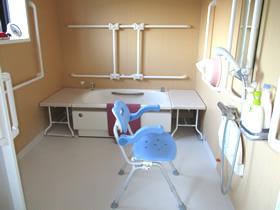 穴山の杜短期入所生活介護事業所 穴山の杜ショート 浴室写真 信和会